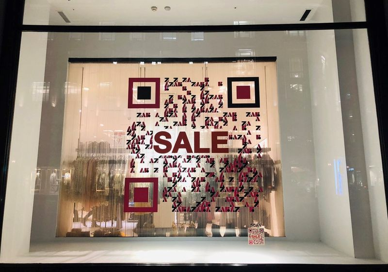 using qr codes for marketing window stores